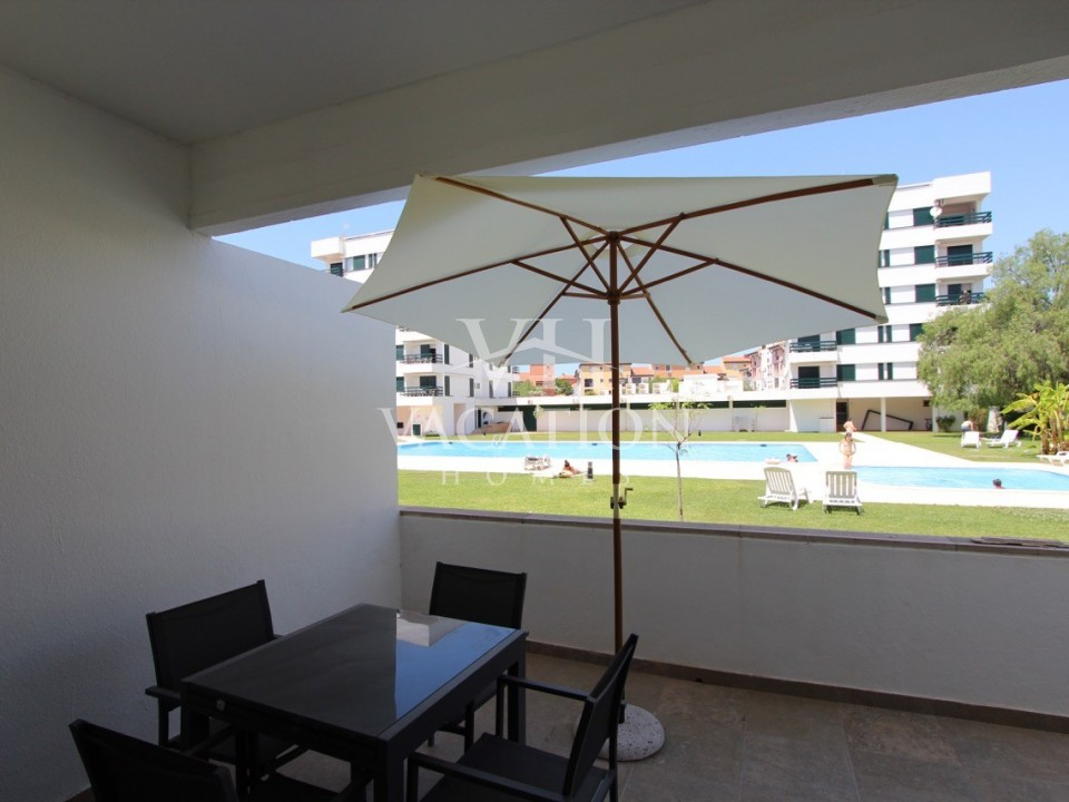 One bedroom refurbished in gated community with pool.