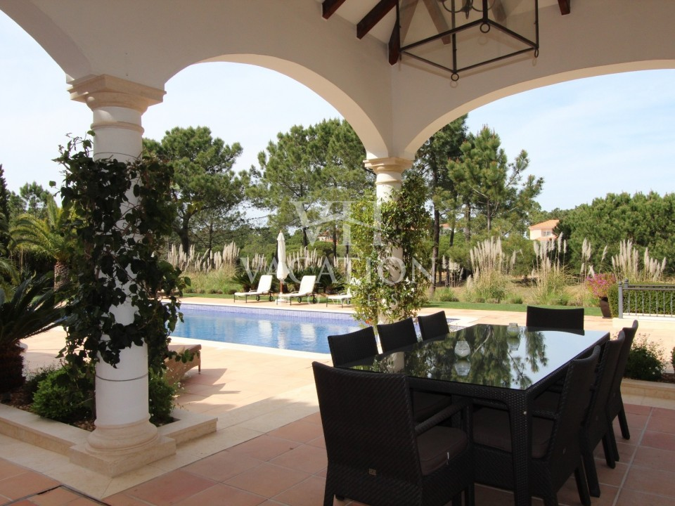 Luxury and spacious 4 bedroom property with private pool.